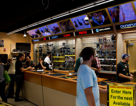 Ron Martinsen's Photography Blog: My visit to B&H in New York City