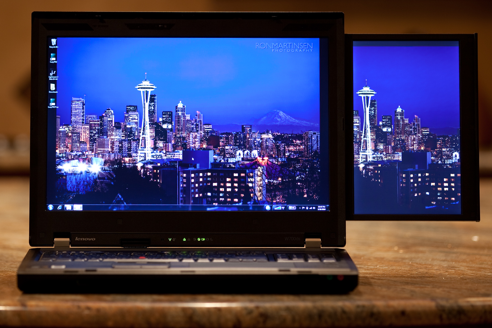 Ron Martinsen's Photography Blog: HANDS-ON: Lenovo W700ds